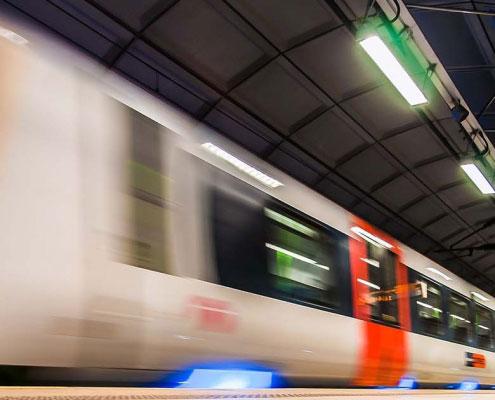 Treno alla stazione di Londra